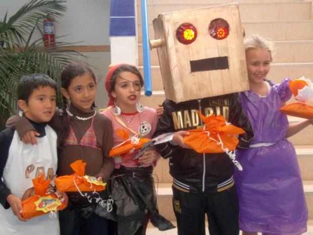 (Español) Carnaval en el Colegio